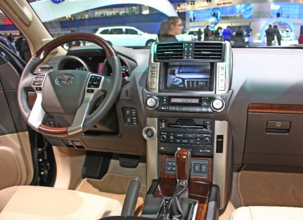 http://www.nolapeles.com/wp-content/uploads/2009/09/land_cruiser_prado_2010_5.jpg