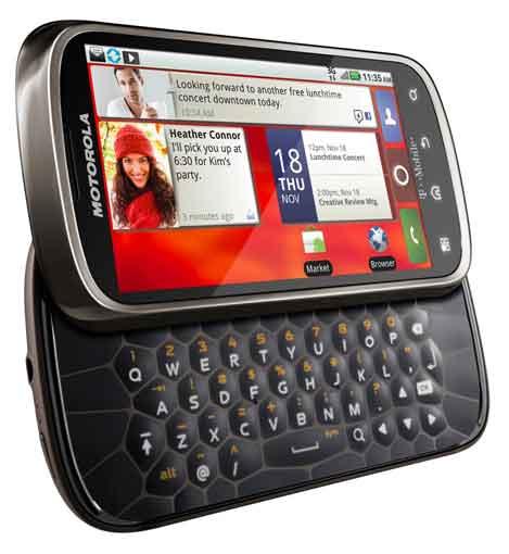 Motorola CLIQ 2_1