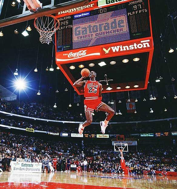michael-jordan-volando