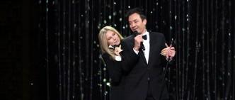 Barbra-Streisand-y-Jimmy-Fallon-the-tonight-show-title