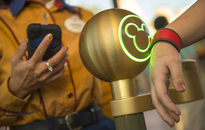 walt-disney-world-apple-pay-google-wallet