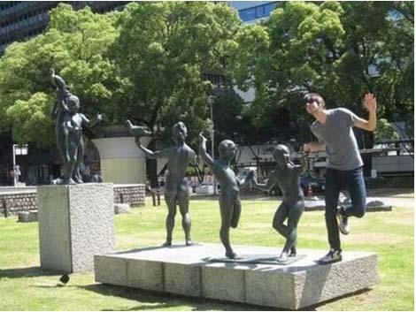 jugando-con-estatuas-07