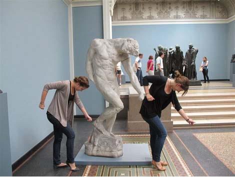 jugando-con-estatuas-13