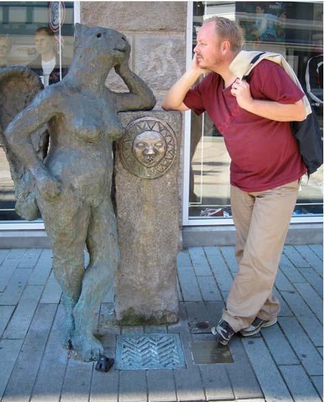 jugando-con-estatuas-16